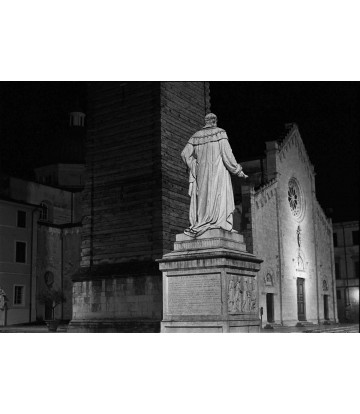 http://www.livinart.it/610-thickbox_default/pietrasanta-duomo.jpg