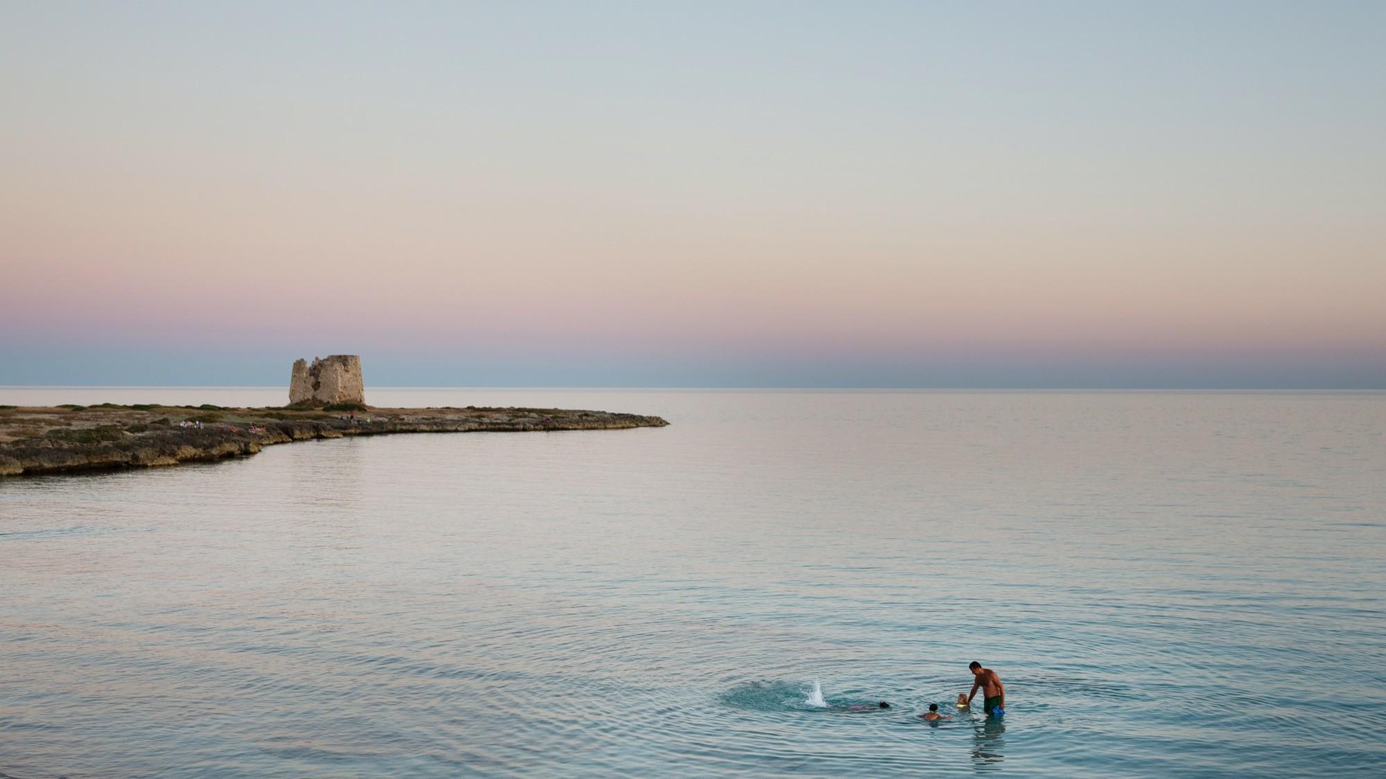 La Linea del Mare con trasferelli 3 cm 33,75x60  stampa su carta Photo Rag 310 montata su Dibond di Nicola Ughi